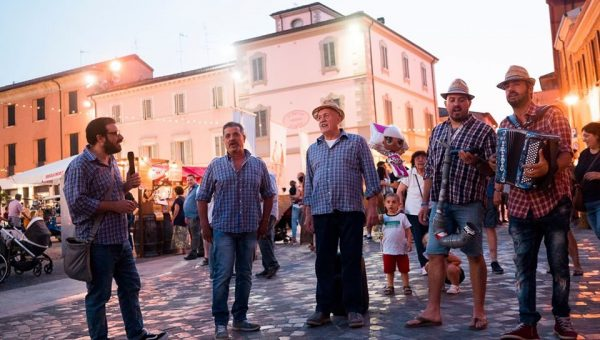 Piadiniamo fete piadina Italie