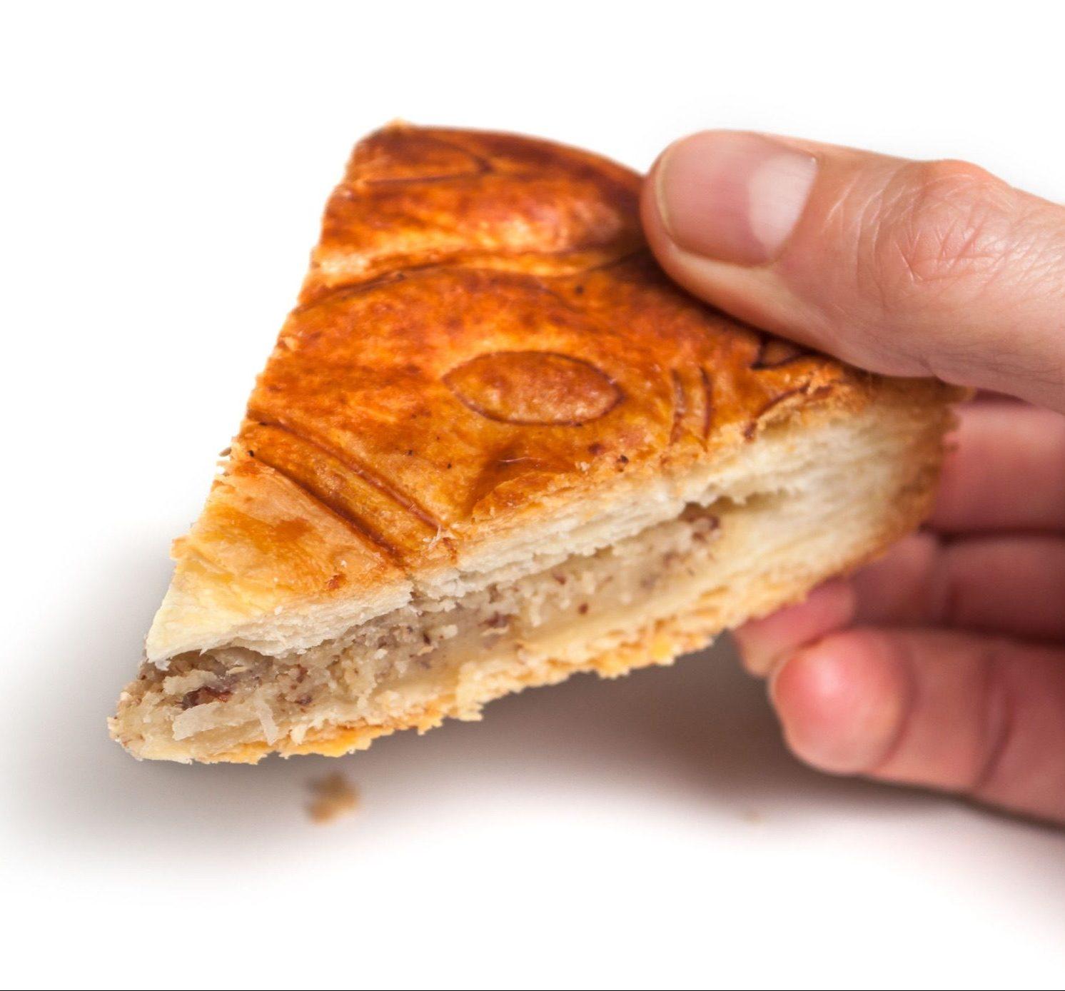 galette-des-rois-torta-dei-re-fetta