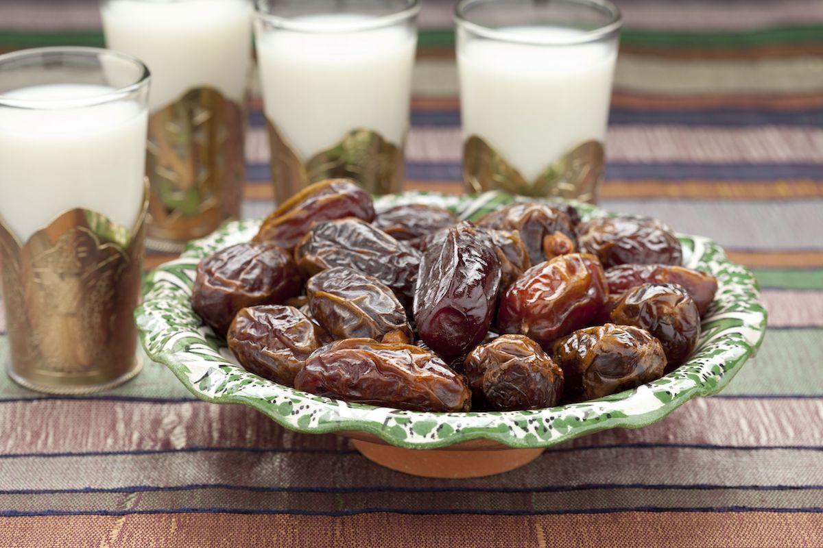 harira-soup-marocaine-ramadan-rupture-jeune-dattes-lait